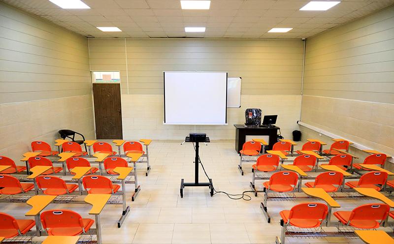 هدیه مدیران ارشد شرکت بادران به توزیع کنندگان/ کلاس های آموزشی