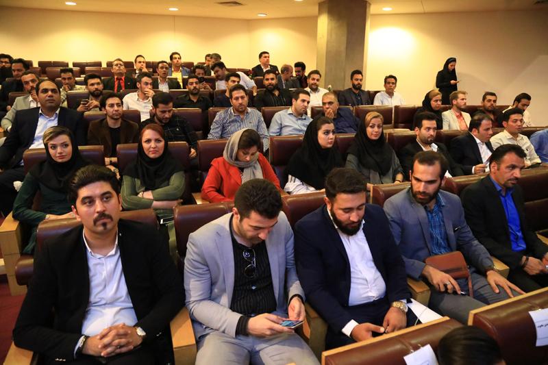 حضور شرکت بادران در همایش مدیران موفق مشتری مدار