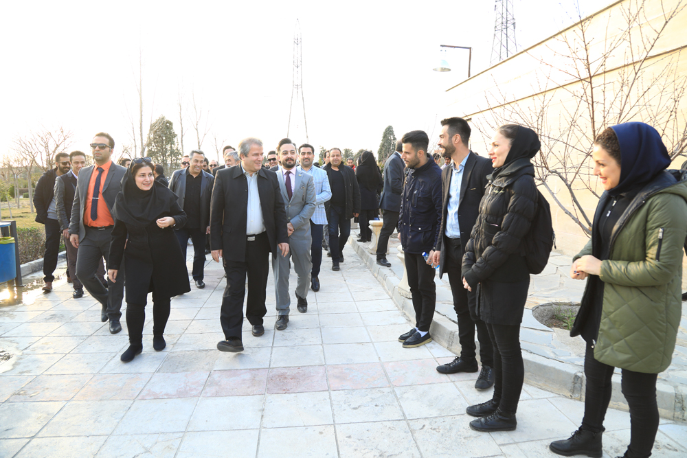 کاشت نهال سرو با دستان مهندس موسوی
