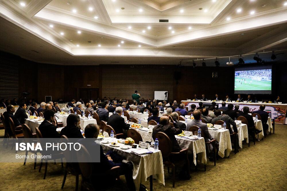 مجمع سالیانه فدراسیون فوتبال با حضور وزیر ورزش و مهندس موسوی